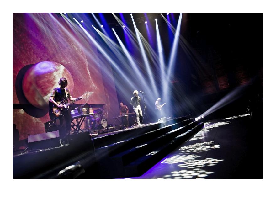 Dawid Podsiadło na scenie (2)-002-2014-02-06 _ 14_58_12-75
