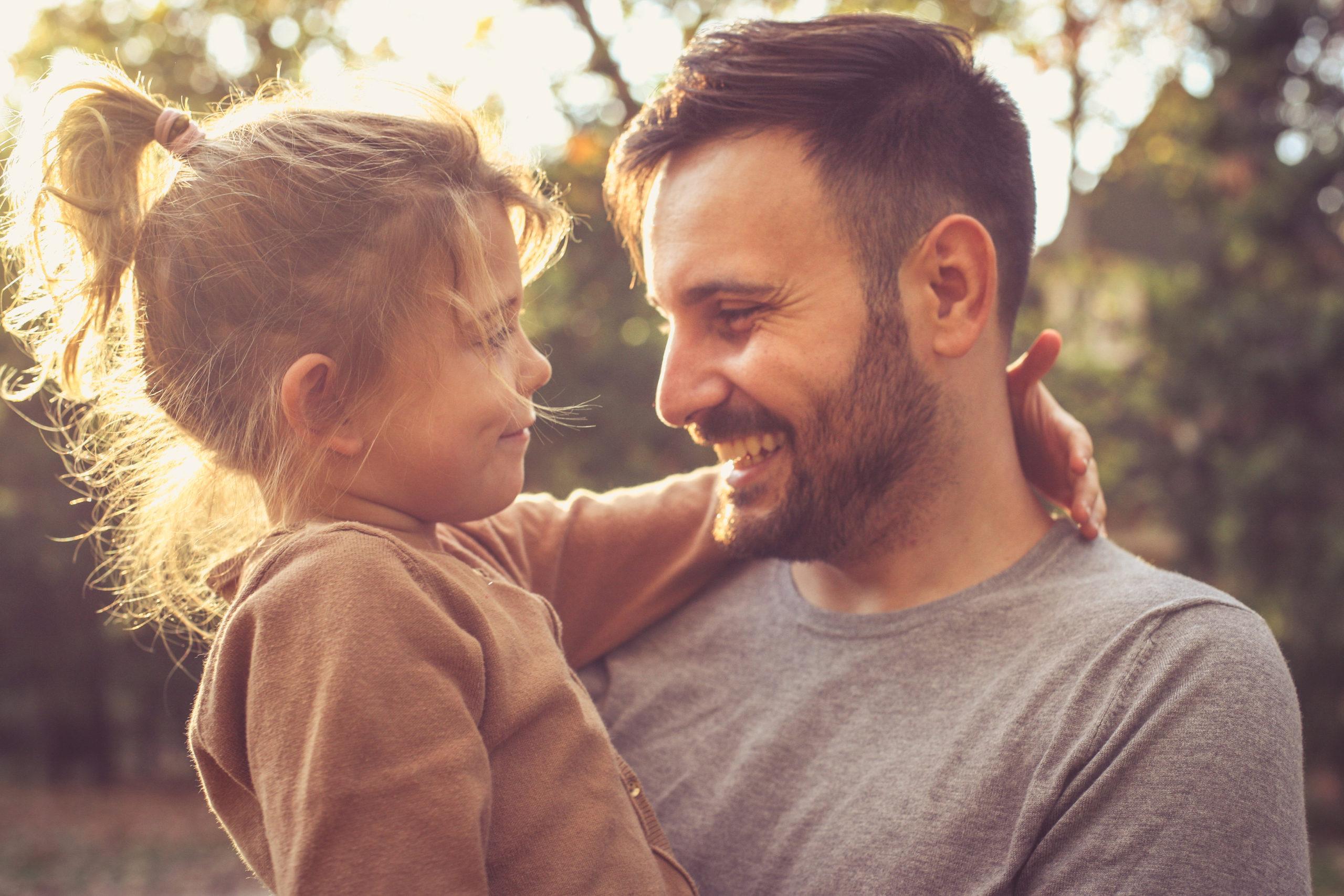"""Relacja córki z ojcem """" jak wpływa na dorosłe życie kobiety?"""